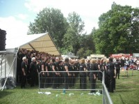 Rock Choir open on the Main Stage 2011.JPG